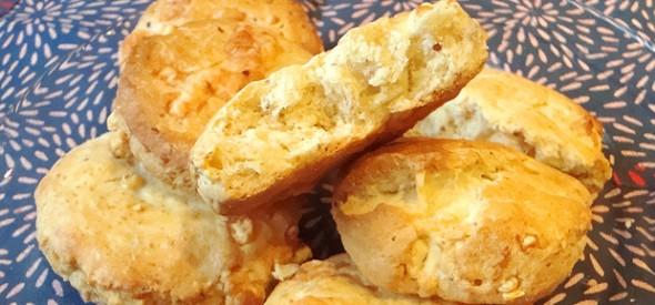 Scones salgados con queixo e mostaza