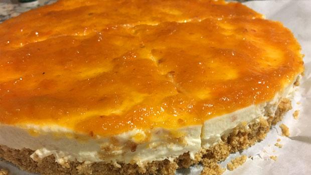Cheesecake con marmelada de níspero
