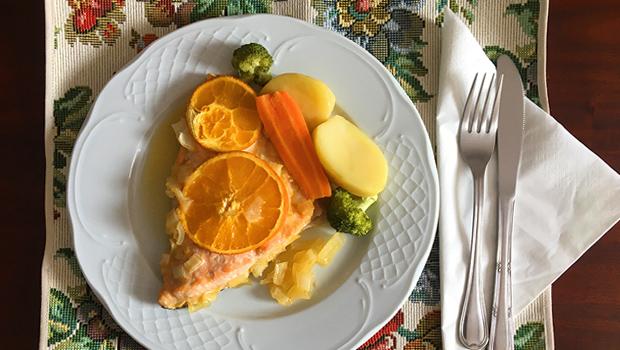 Salmón asado con laranxa e mel