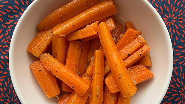 Ensalada morna de cenoura